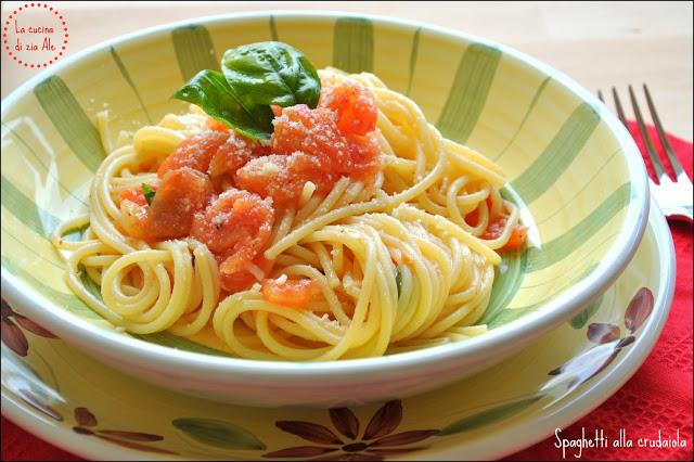 spaghetti-con-sugo-alla-crudaiola