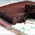 Torta matta – Wacky cake, crazy cake, three holes cake (senza uova, latte e lievito)