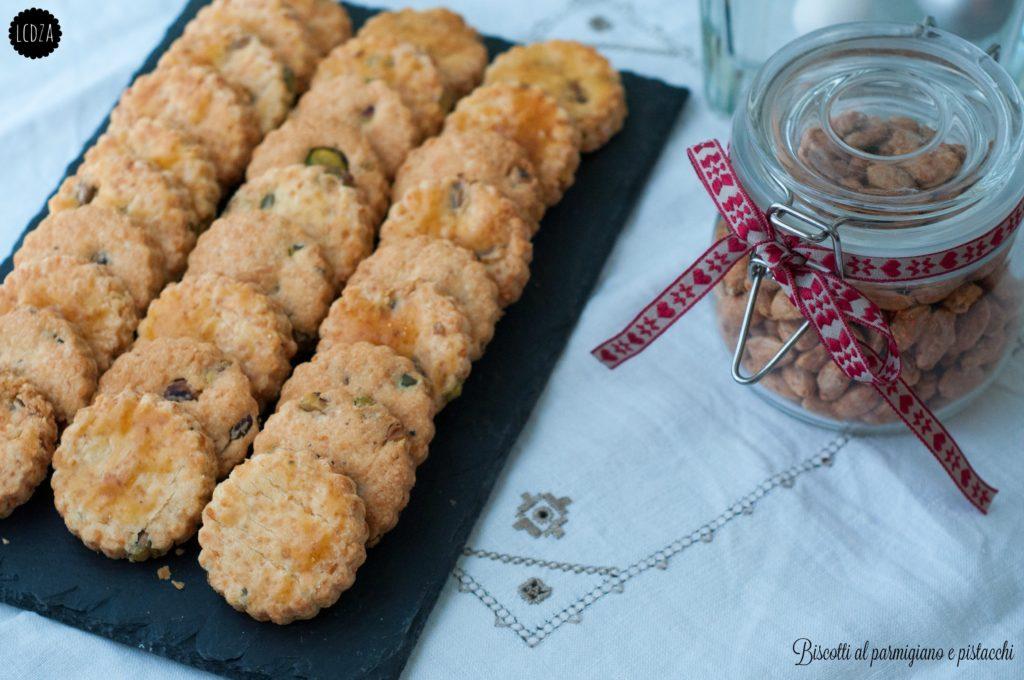 Biscotti al parmigiano 1 waterm