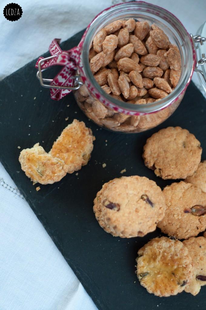 Biscotti al parmigiano 4 waterm copia