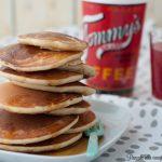 Pancake alla vaniglia con sciroppo d'acero