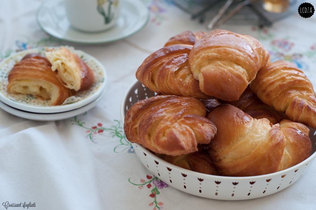 Croissant 2 waterm