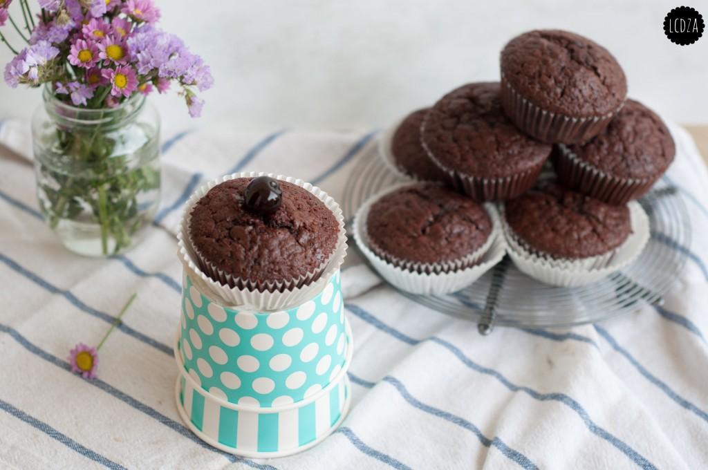 Muffin al doppio cioccolato e amarene 2 waterm