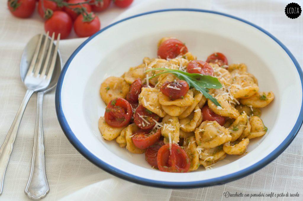 Orecchiette pomodorini confit e pesto di rucola