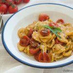 Orecchiette con pomodorini confit e pesto di rucola