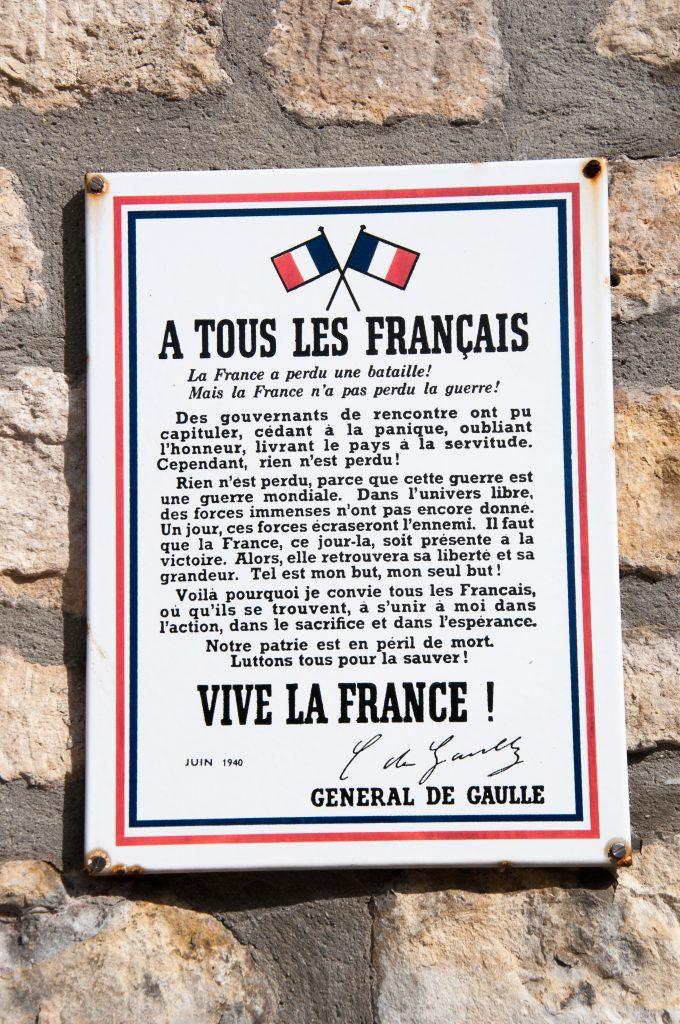 Sainte-Mer-Eglise-vive-la-France