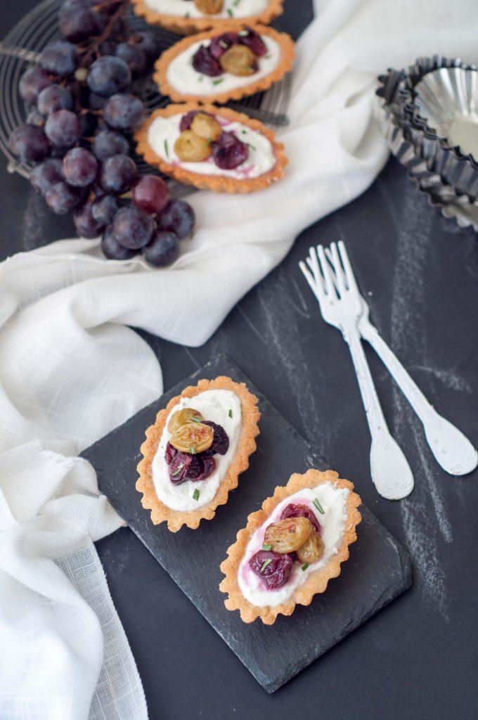 Tartellette-formaggio-e-uva-0079