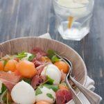 Prosciutto e melone in insalata