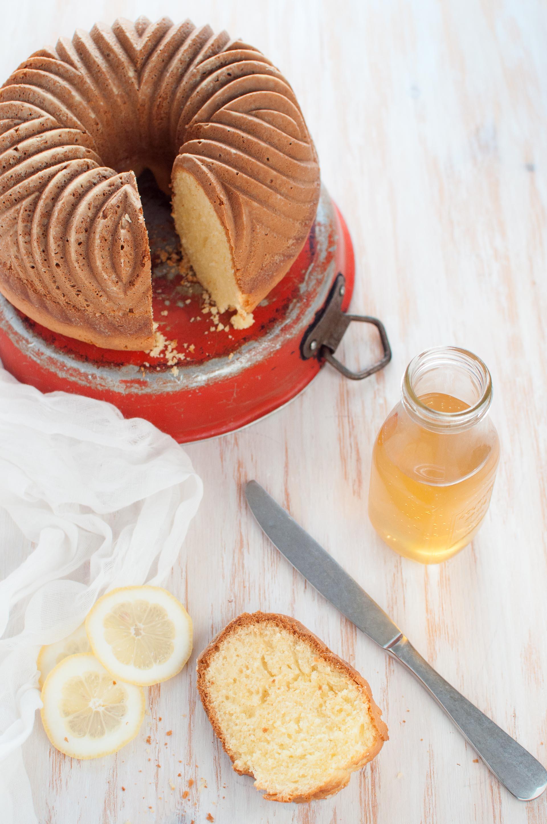 Ciambella bundt cake al limone
