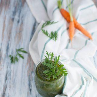 Pesto di foglie di carote facile
