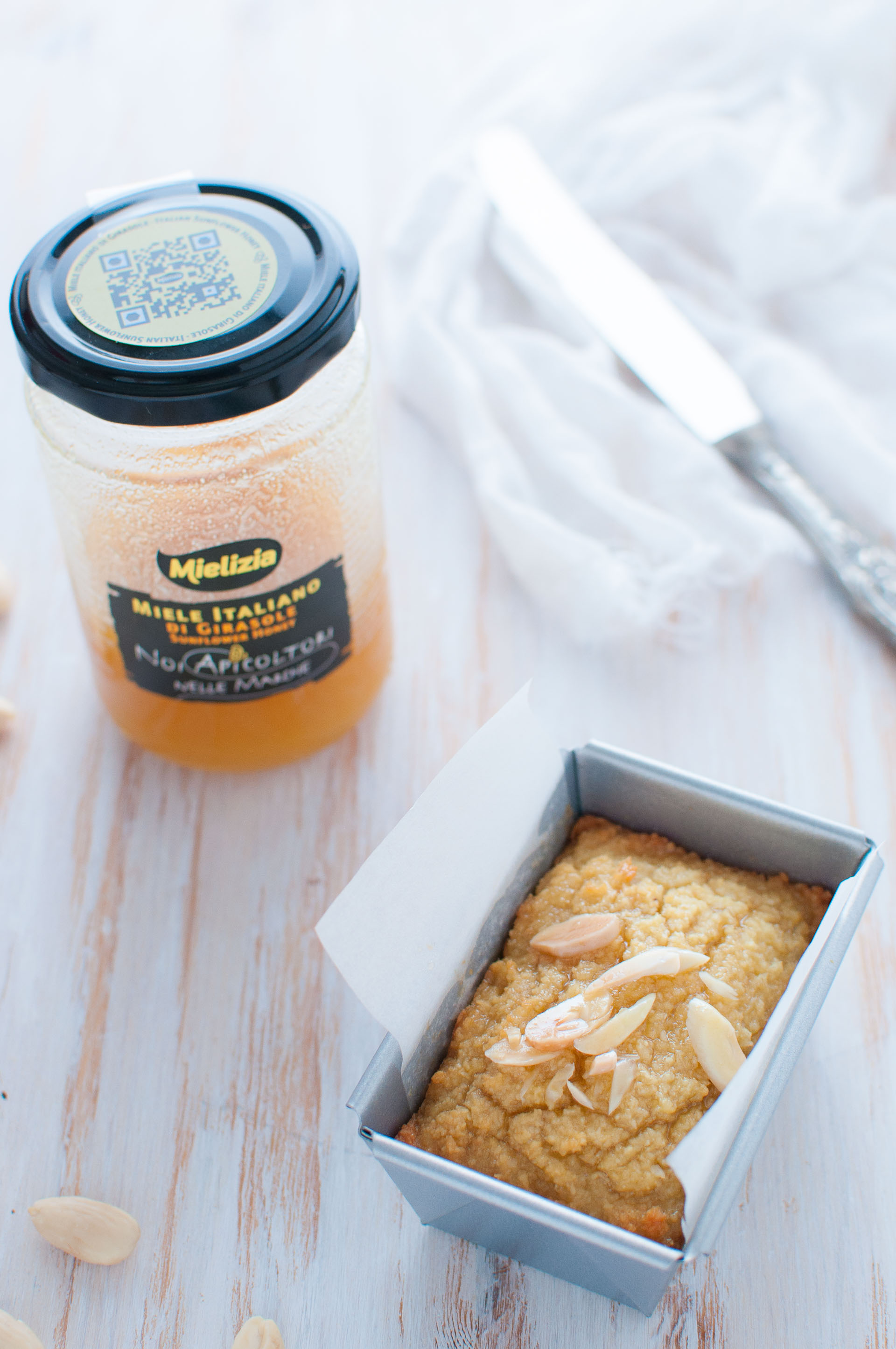 Torta con sciroppo al miele