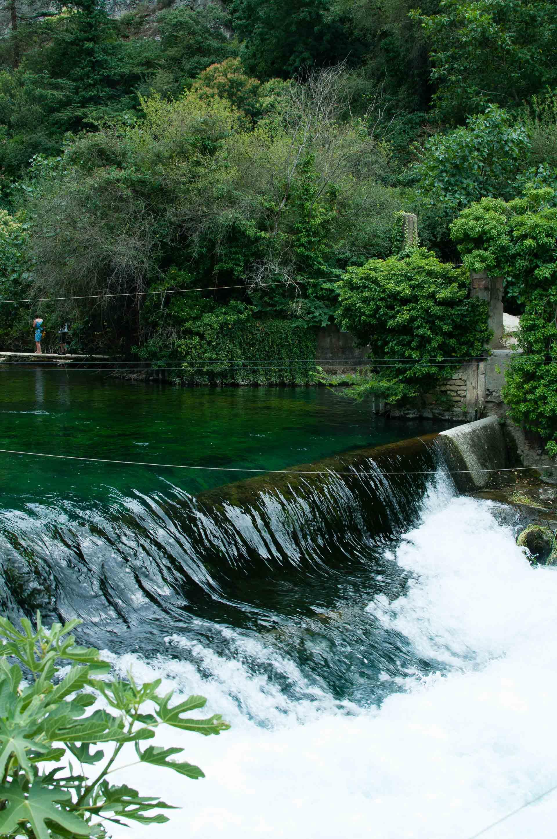 Fontaine de Vaucluse fiume