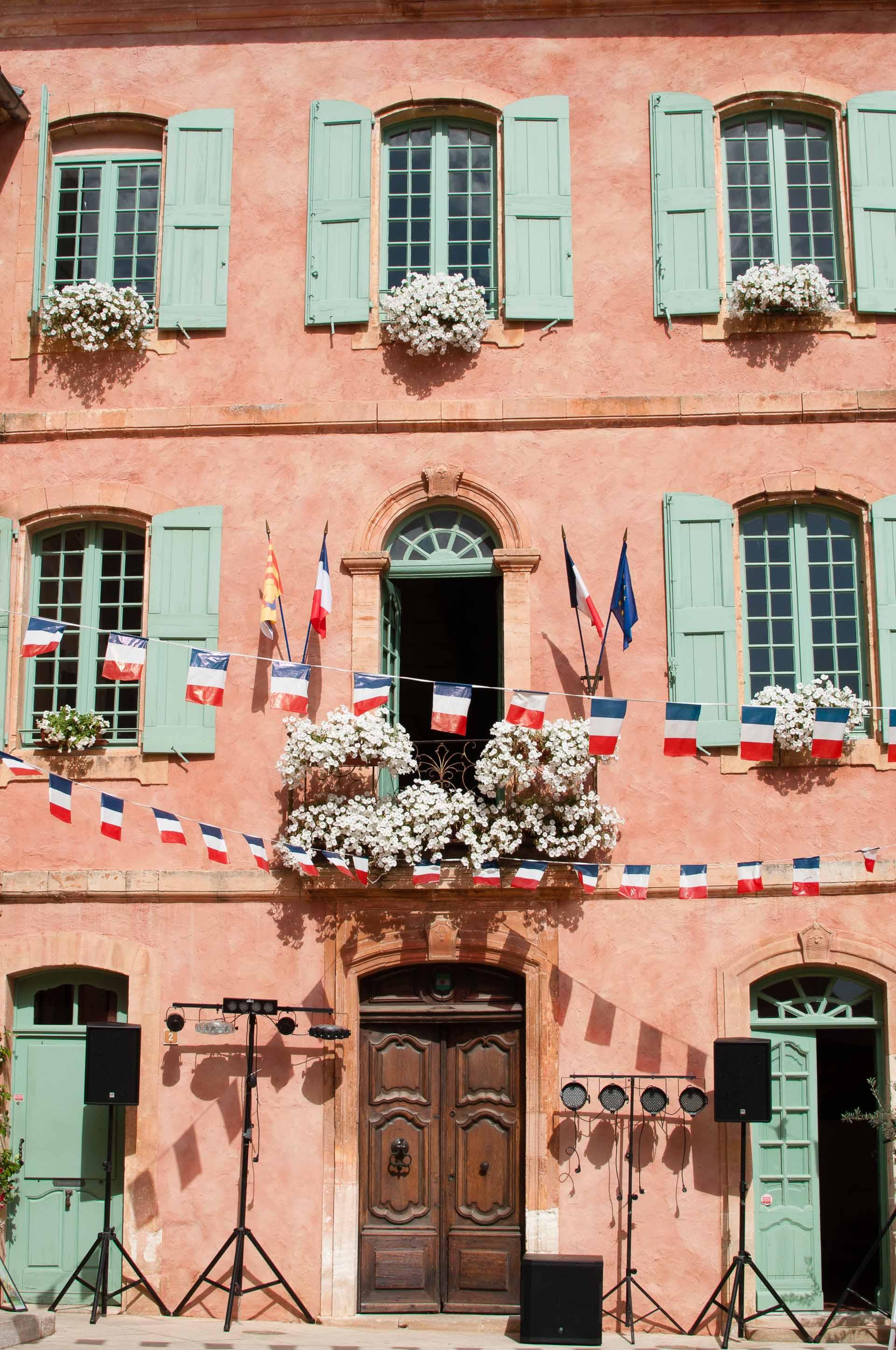 Roussillon paese