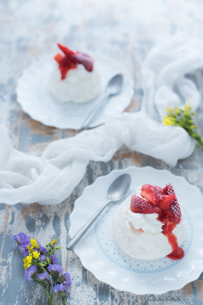 Mini_pavlova_alle_fragole