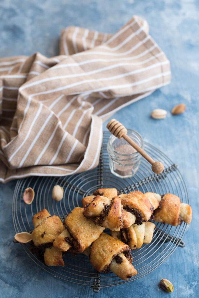 Rugelach con cioccolato e pistacchi