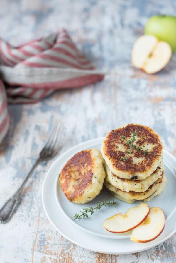 Burger di patate mele e formaggio