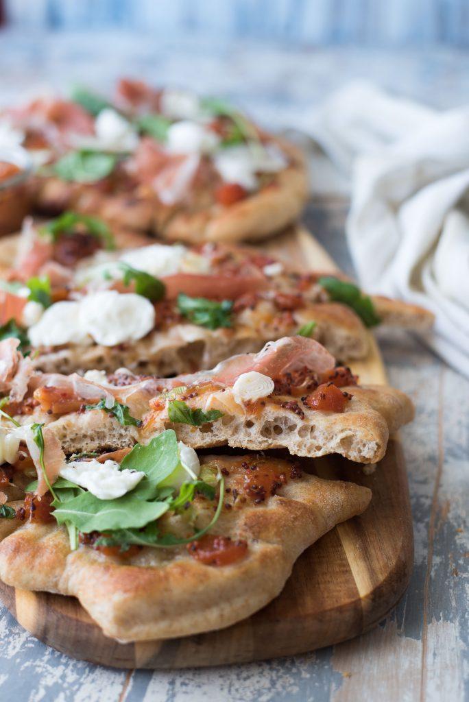 Pizza cotta in padella e grill