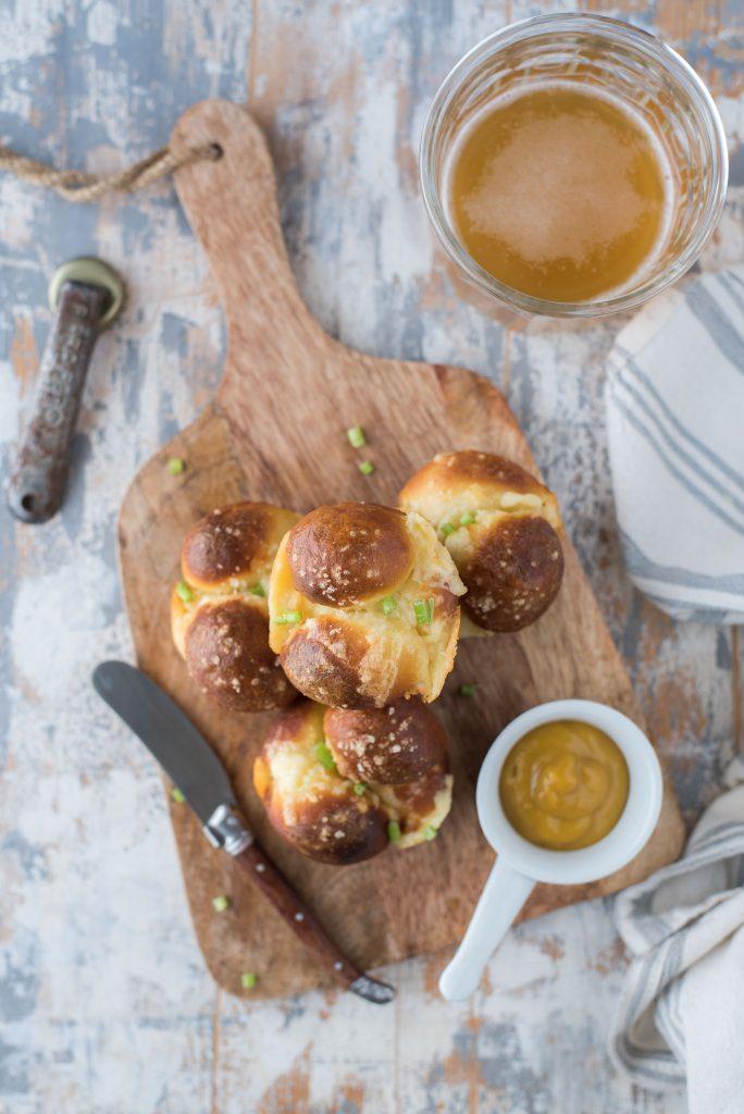Cheesy pretzel monkey muffins