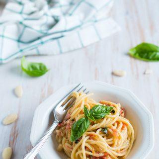 Spaghetti al pesto alla trapanese